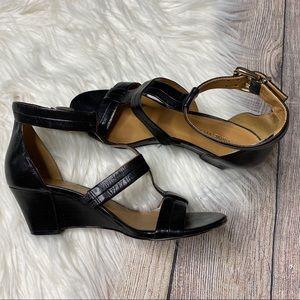 🎉Nine West Black Leather Wedge 7